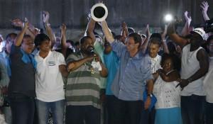 Cantor embala campanha de Paes | Foto: Alexandre Brum / Agência O Dia